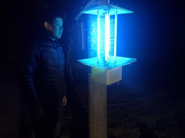 敦煌市郭家堡镇:做好黑光灯架设工作 让害虫有来无回